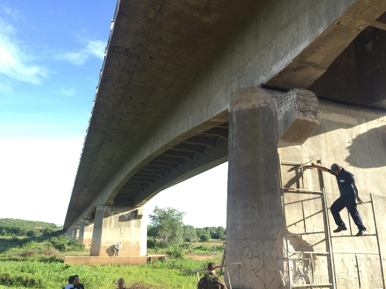 Engenharia Civil do Nutec faz avaliação dos viadutos afetados com explosivos